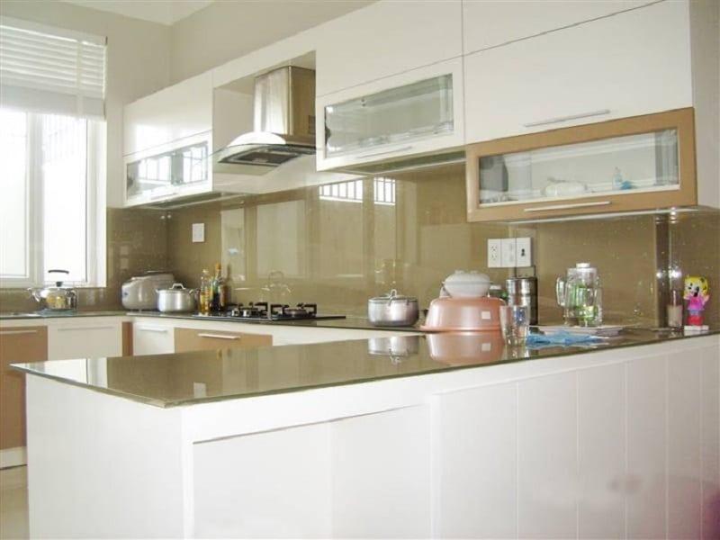 Báo giá kính ốp bếp màu - kính ốp bếp Hoa văn 3D đẹp 2021