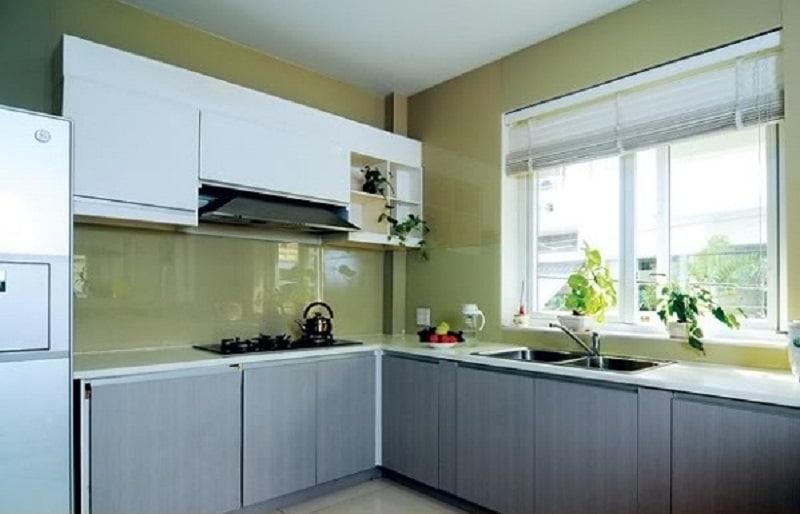 Kính ốp bếp màu xanh lục