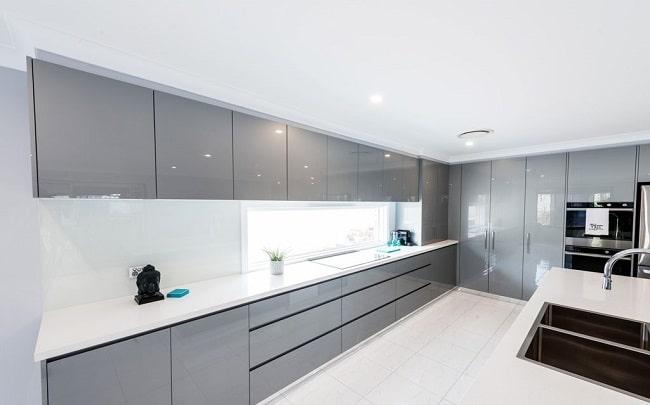 Top 30+ mẫu kính ốp bếp màu trắng đẹp - giá rẻ 2021