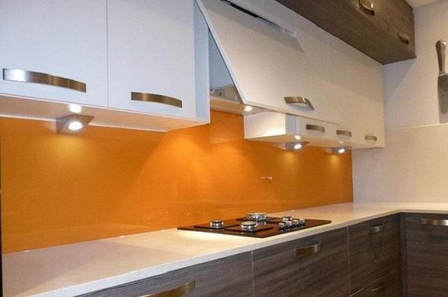 Kính Ốp Bếp Màu Cam - Mẫu Kính Bếp Mới Lạ Cùng Đẳng Cấp