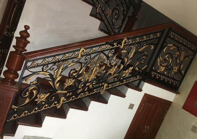 cầu thang sắt nghệ thuật
