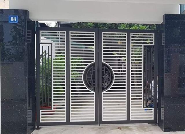mẫu cửa sắt hộp 4 cánh